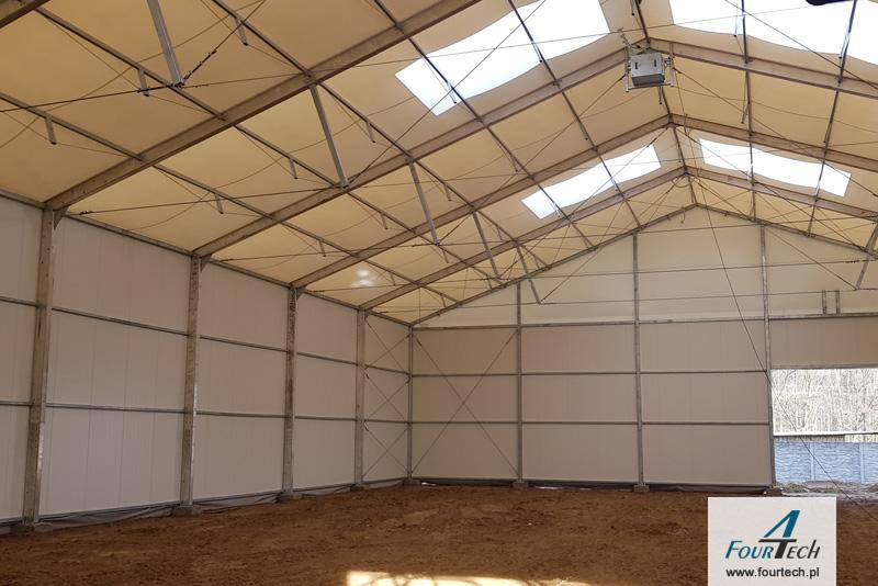 hala namiotowa z świetlikami
