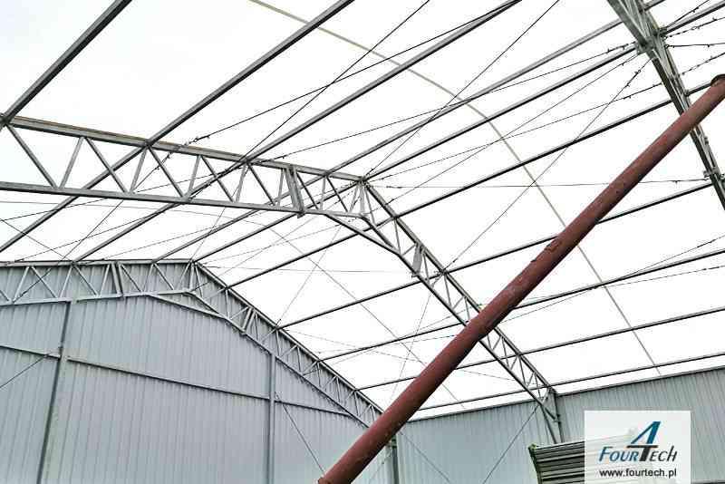 Hale namiotowa wnętrze dach